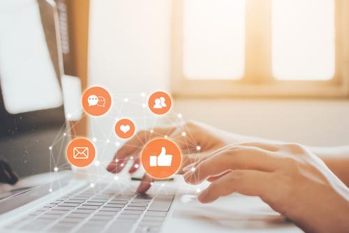 posicionar página web, interacción con clientes